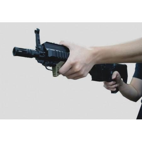 MADBULL Strike Industries Cobra Tactical Fore Grip DE
